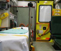 ambulance-1318437_640