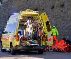 ambulance-2901017_640